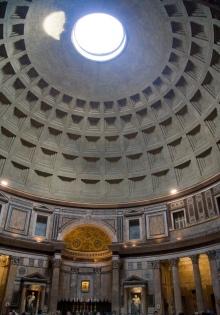 Pantheon_panorama,_Rome_-_6