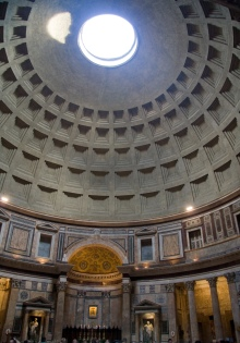Pantheon_panorama,_Rome_-_6